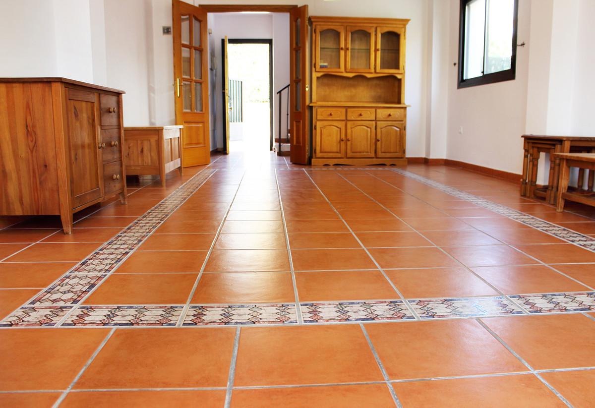 Villa con 3 Dormitorios en Venta Manilva