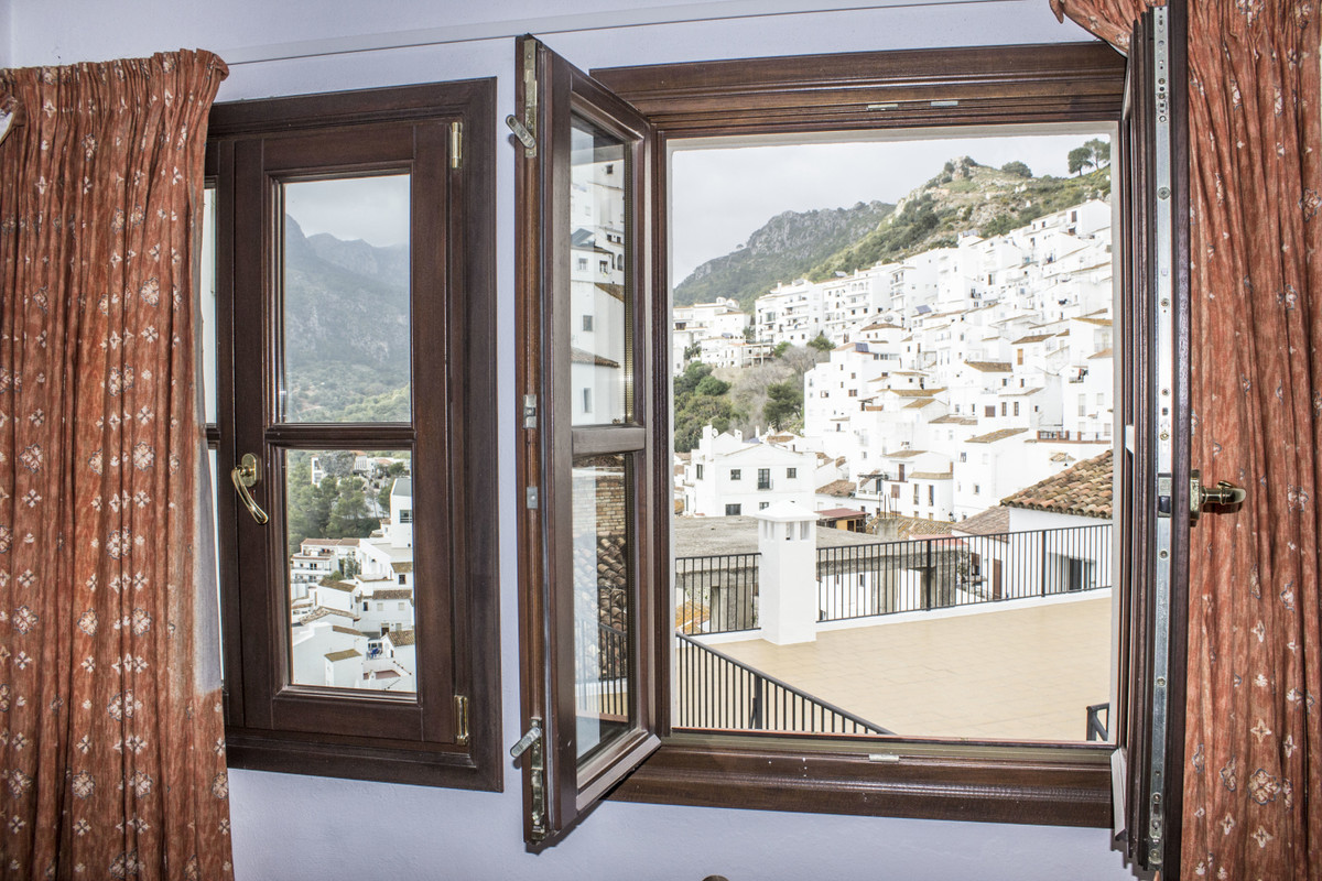 1 bedroom apartment for sale casares pueblo