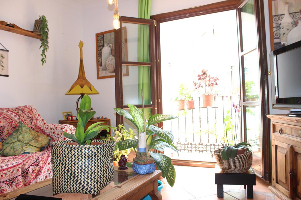 Apartamento con 2 Dormitorios en Venta Casares Pueblo