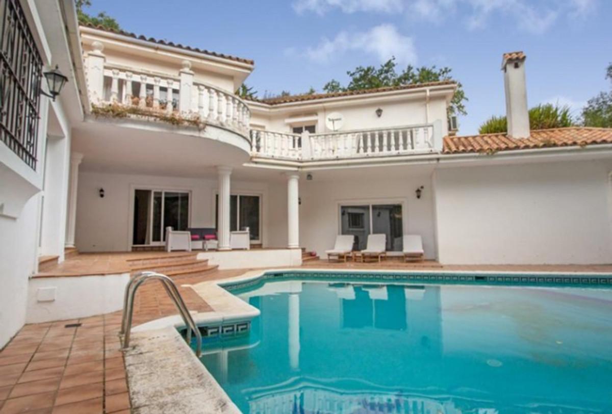 Detached Villa for sale in Sotogrande R3313285