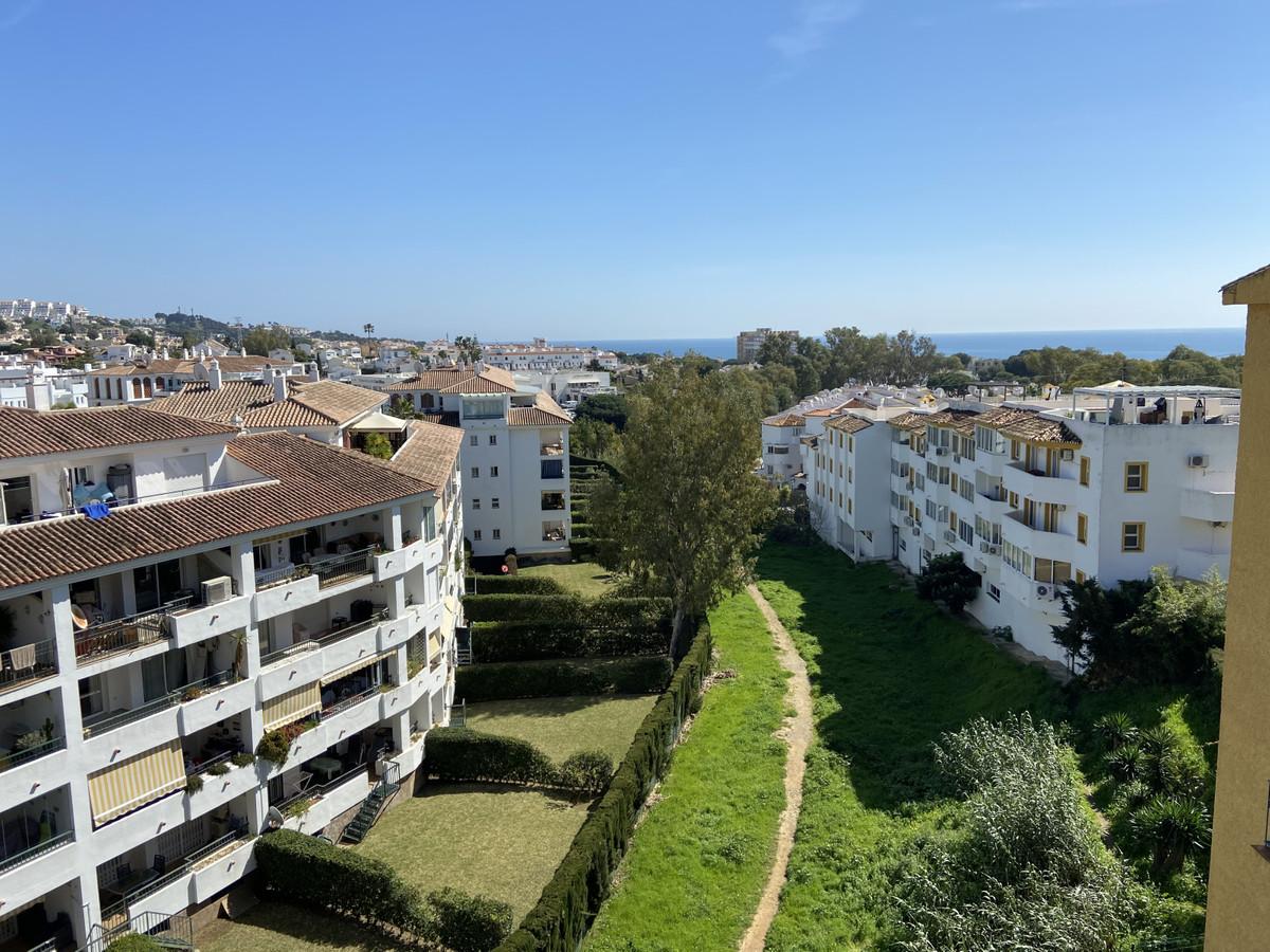 Apartamento, Ático  en venta    en Calahonda