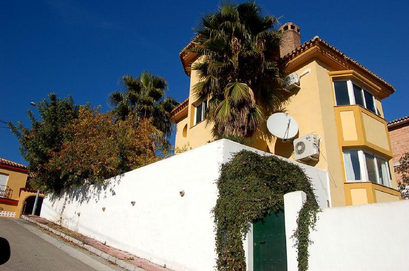 Villa 3 Dormitorios en Venta Coín