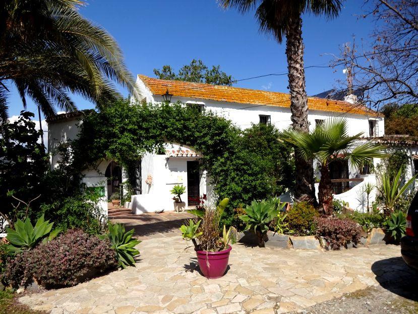 Hotel for sale in Alhaurín el Grande R3182122