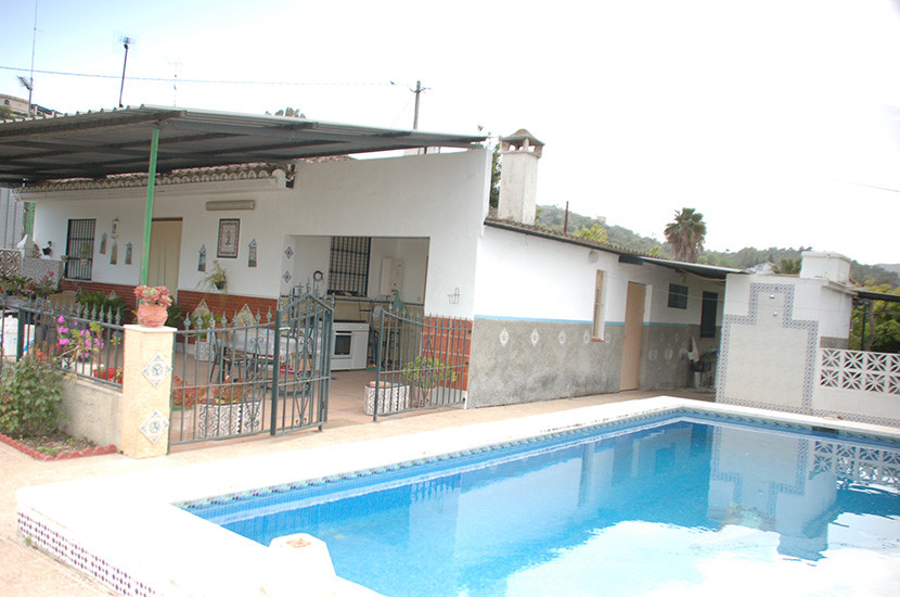 This is a great opportunity to buy a classic country finca with excellent access and within minutes ,Spain