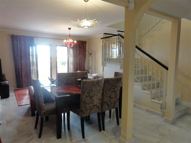 Apartamento con 6 Dormitorios en Venta Atalaya