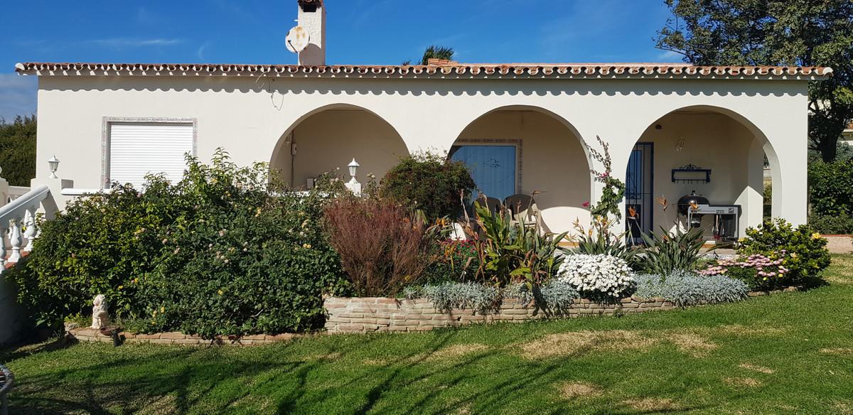 Freistehende Villa in Estepona R2998700