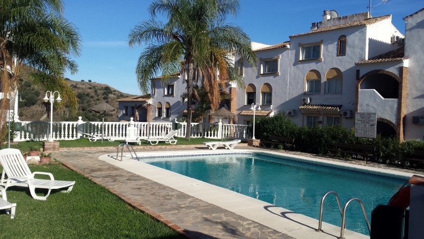 VFT/MA/11926.  A charming well maintained apartment with 2 bedrooms and 2 bathrooms overlooking the ,Spain
