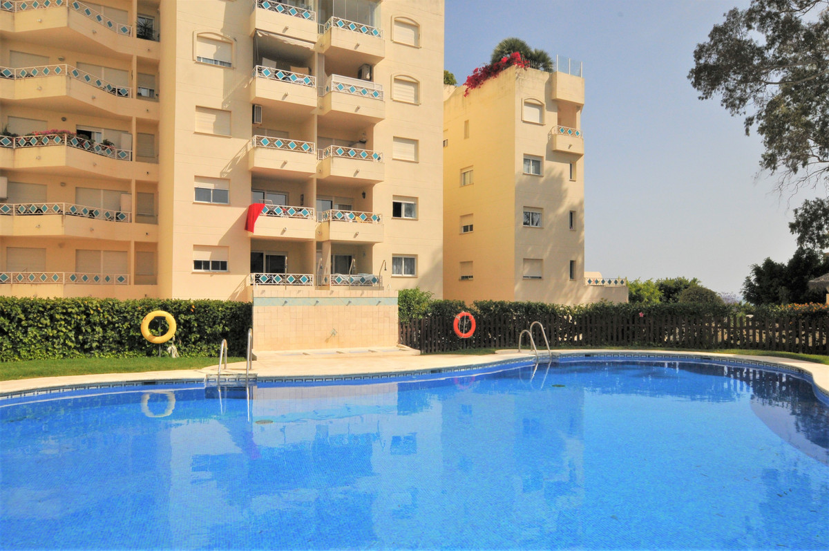 Apartament na środkowym piętrze na sprzedaż w Costabella R3683612