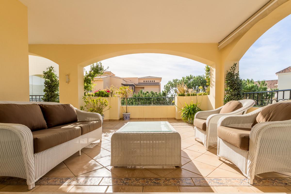 Inmaculate 2 bedroom apartment set in Hacienda Playa. This is a South West facing elevated Corner Ap,Spain