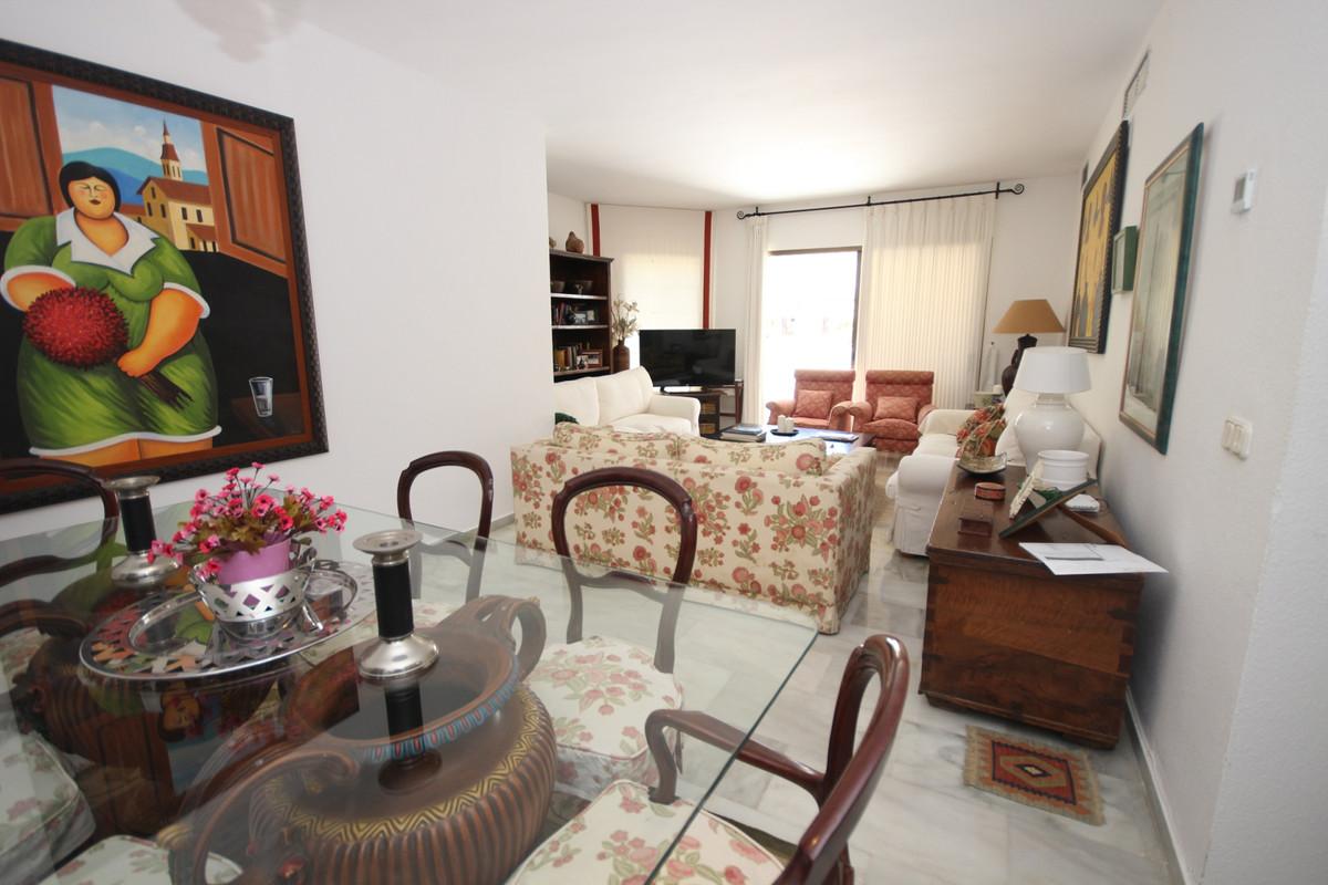 Apartment Middle Floor Elviria Málaga Costa del Sol R3533314 6