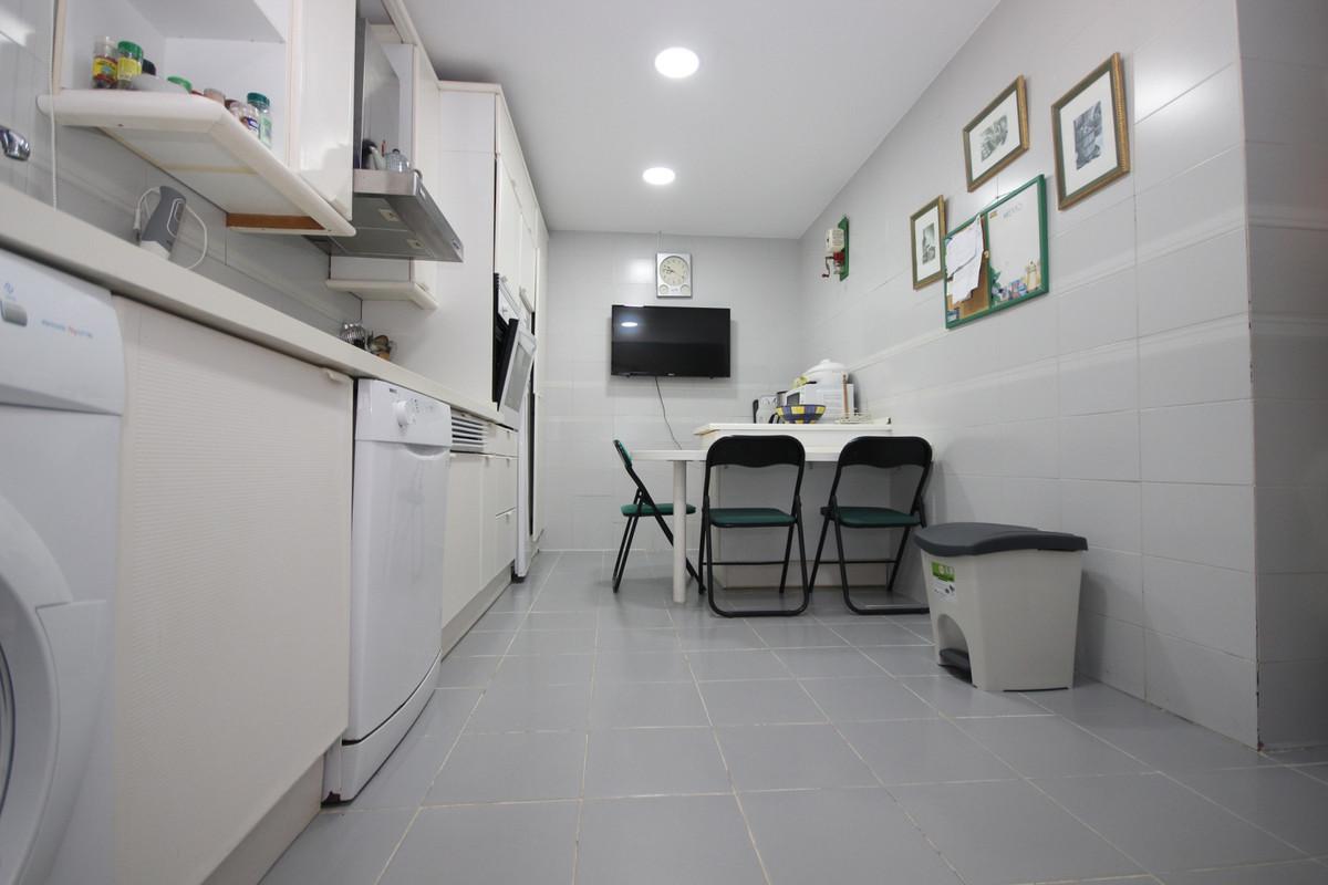 Apartment Middle Floor Elviria Málaga Costa del Sol R3533314 7