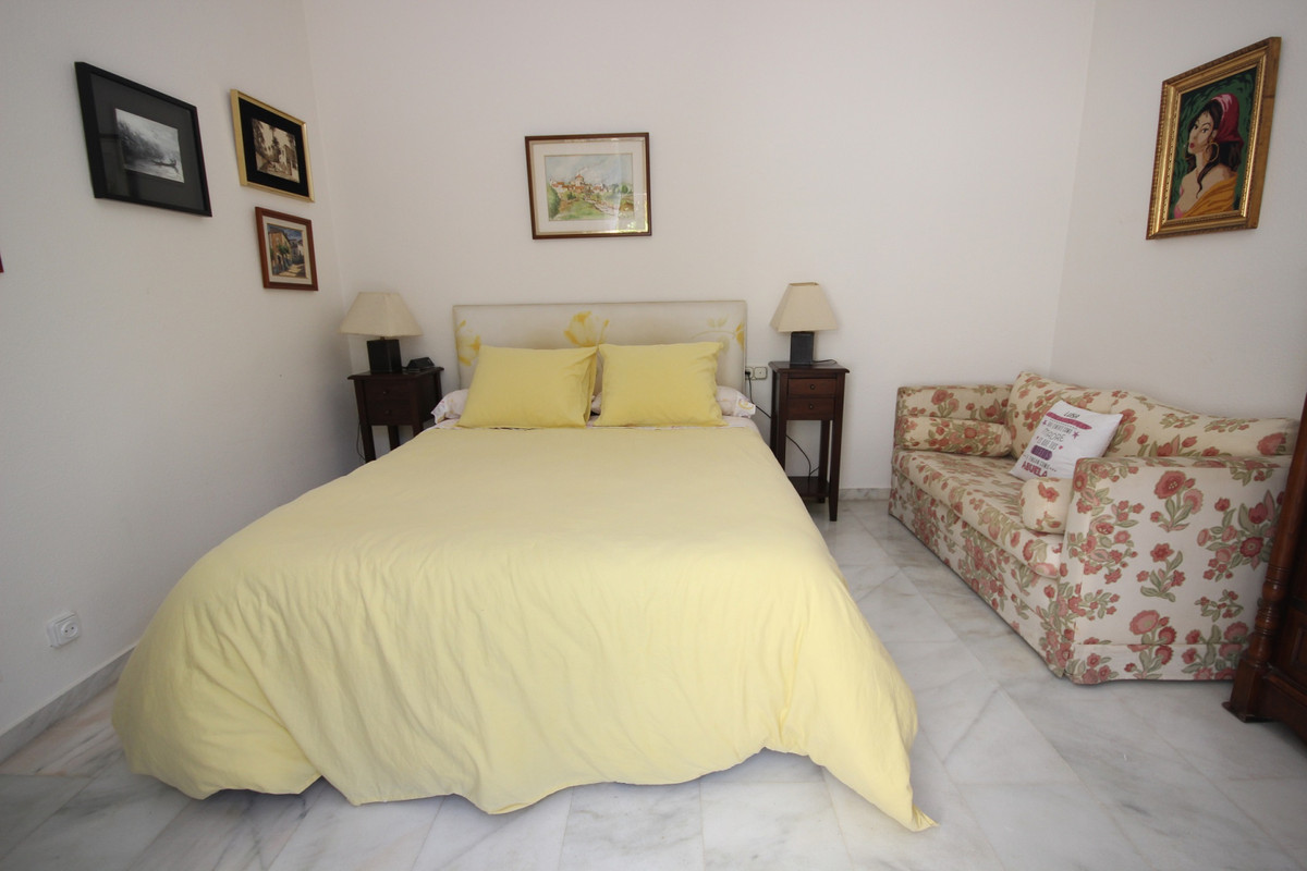 Apartment Middle Floor Elviria Málaga Costa del Sol R3533314 8