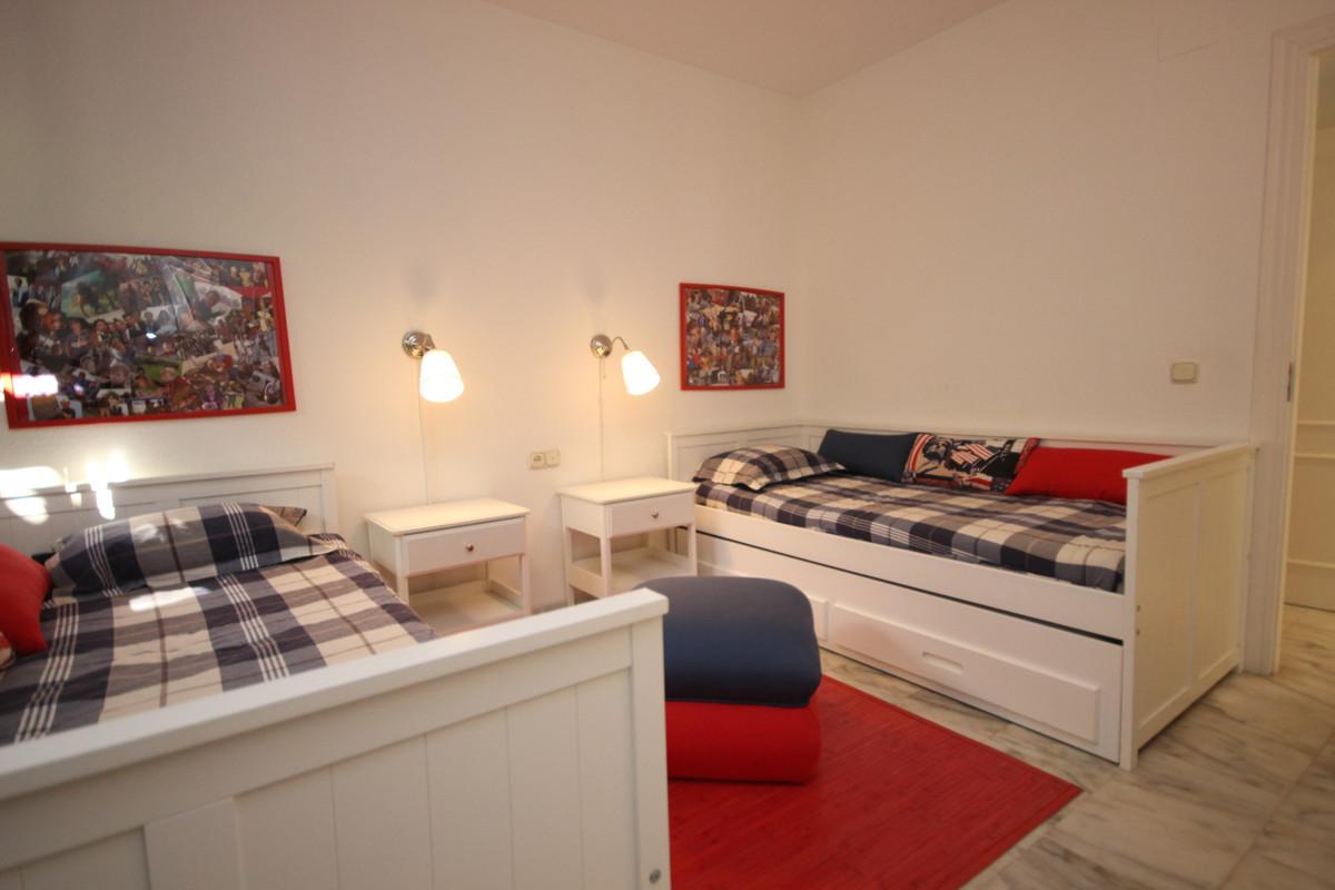 Apartment Middle Floor Elviria Málaga Costa del Sol R3533314 9