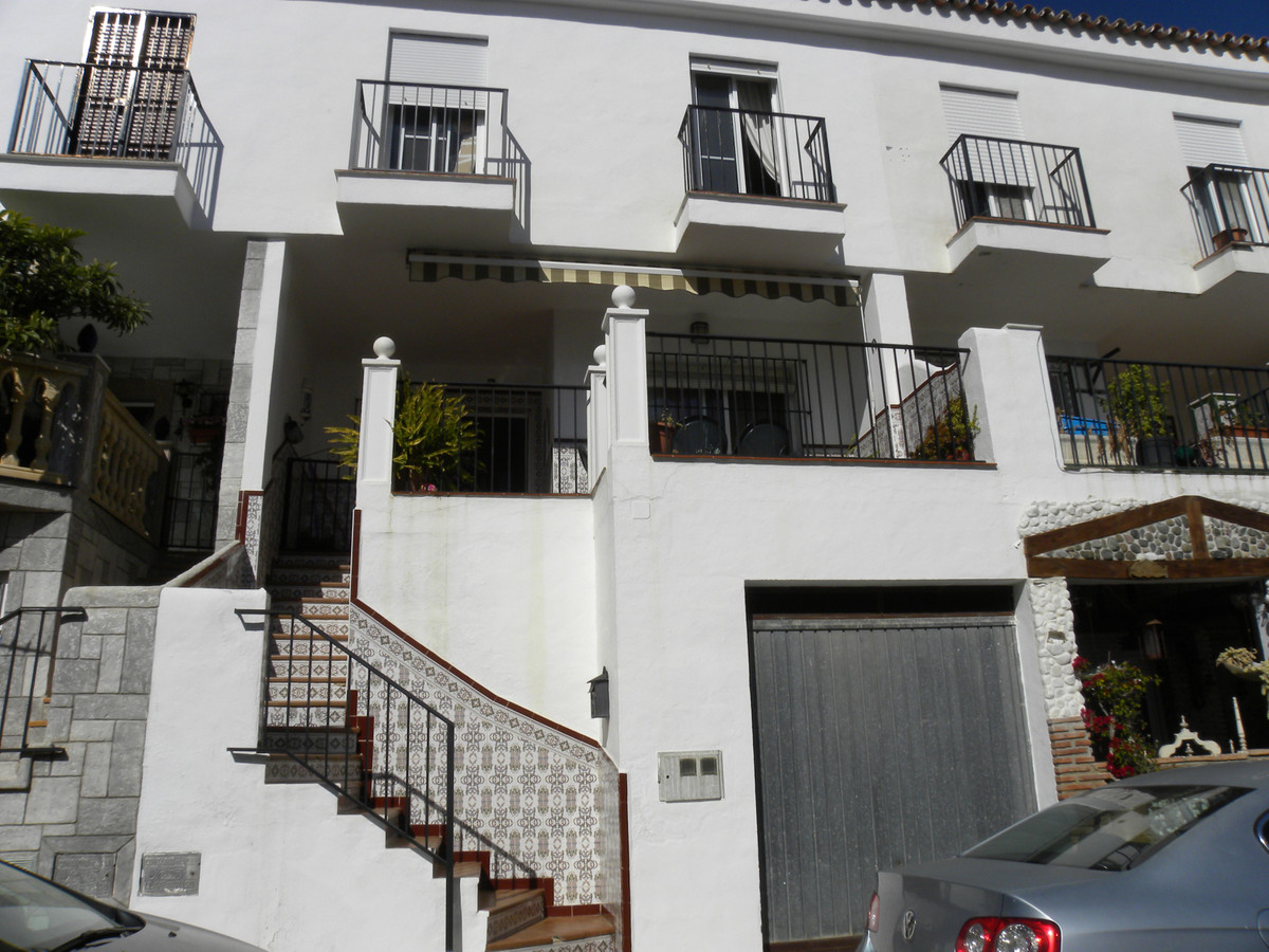 This beautiful townhouse is in a quiet urbanisation 10 minutes walk from Mijas village set among the,Spain