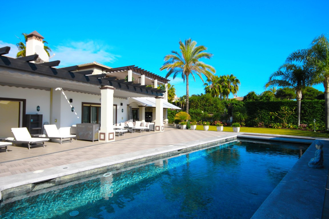 Fristående villa i Bahía de Marbella R2688137