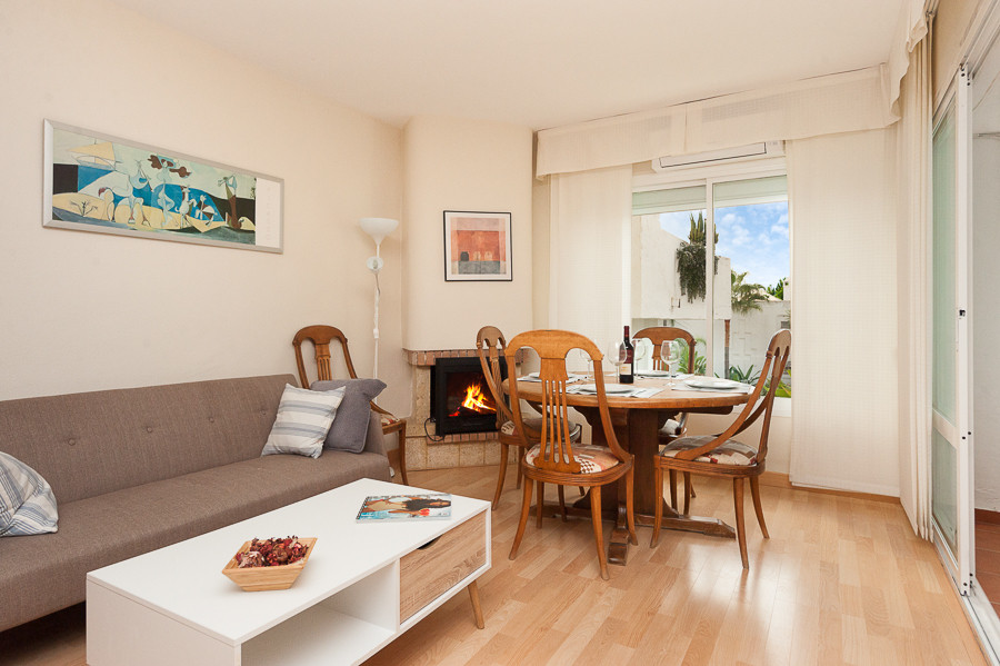 Lovely and comfortable  apartment located  in LAS CHAPAS AREA, near Elviria .  Very well establishedSpain