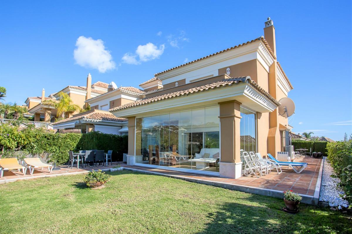 Villa Semi Detached Santa Clara Málaga Costa del Sol R3893086