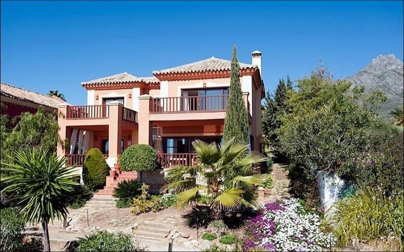 6-bed-Detached Villa for Sale in Nagüeles
