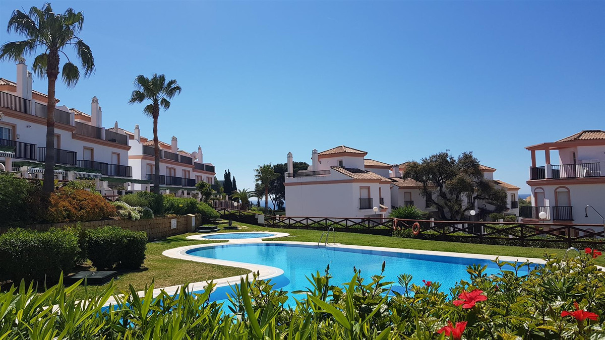 Fabulous townhouse situated near Puerto de Cabopino. The property is distributed over four floors. 1,Spain
