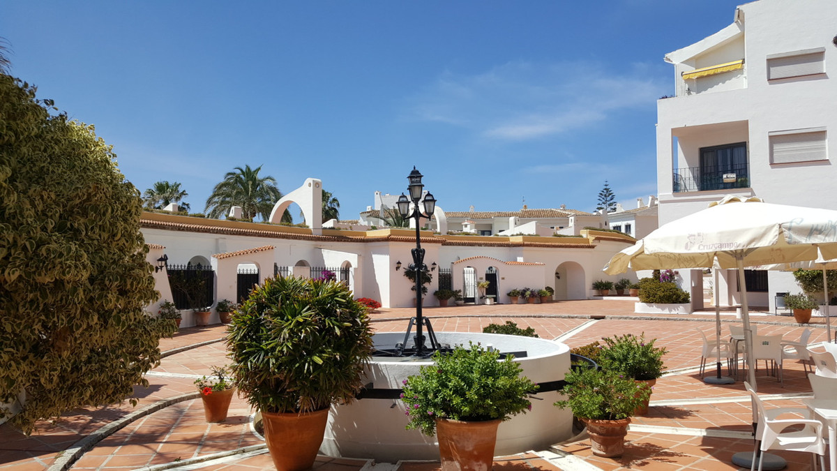 Apartment for sale in Puerto de Cabopino