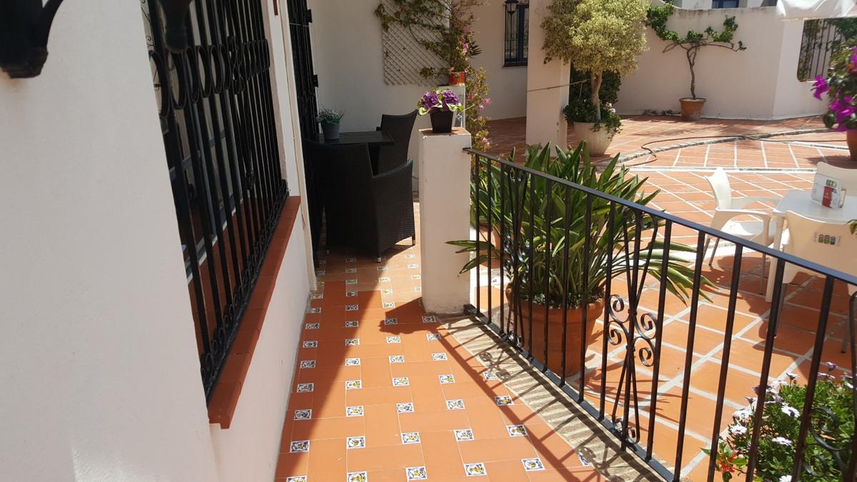 Ref: R3259339 2 Bedrooms Price 250,000 Euros