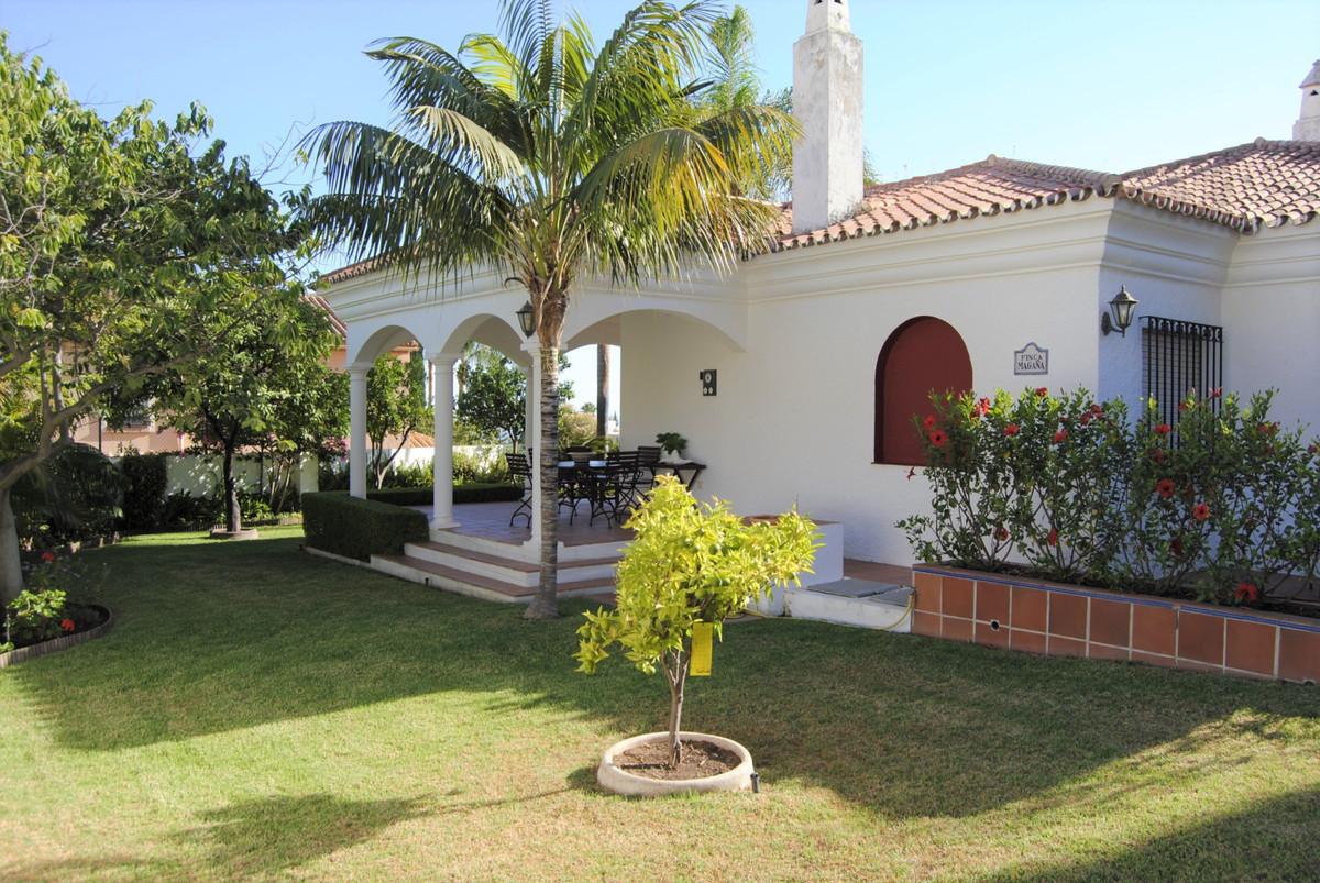 Villa Till salu i Marbella R3930550