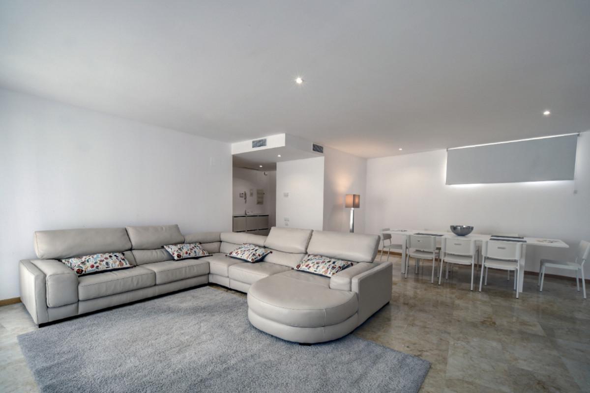 Apartamento 3 Dormitorios en Venta Altos de los Monteros