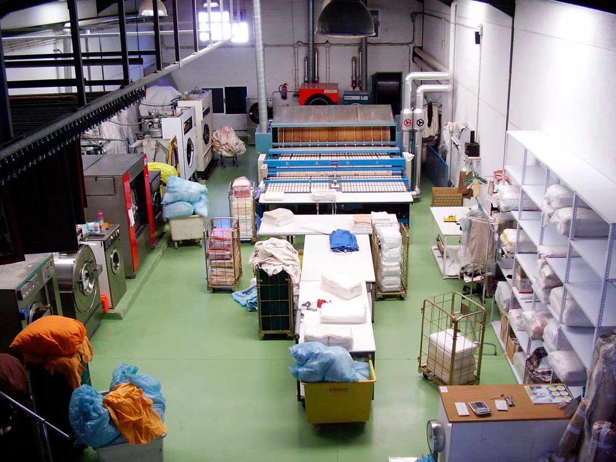 Opportunity to purchase an industrial laundry business.   FREEHOLD Laundry in Alhaurin de la Torre, ,Spain