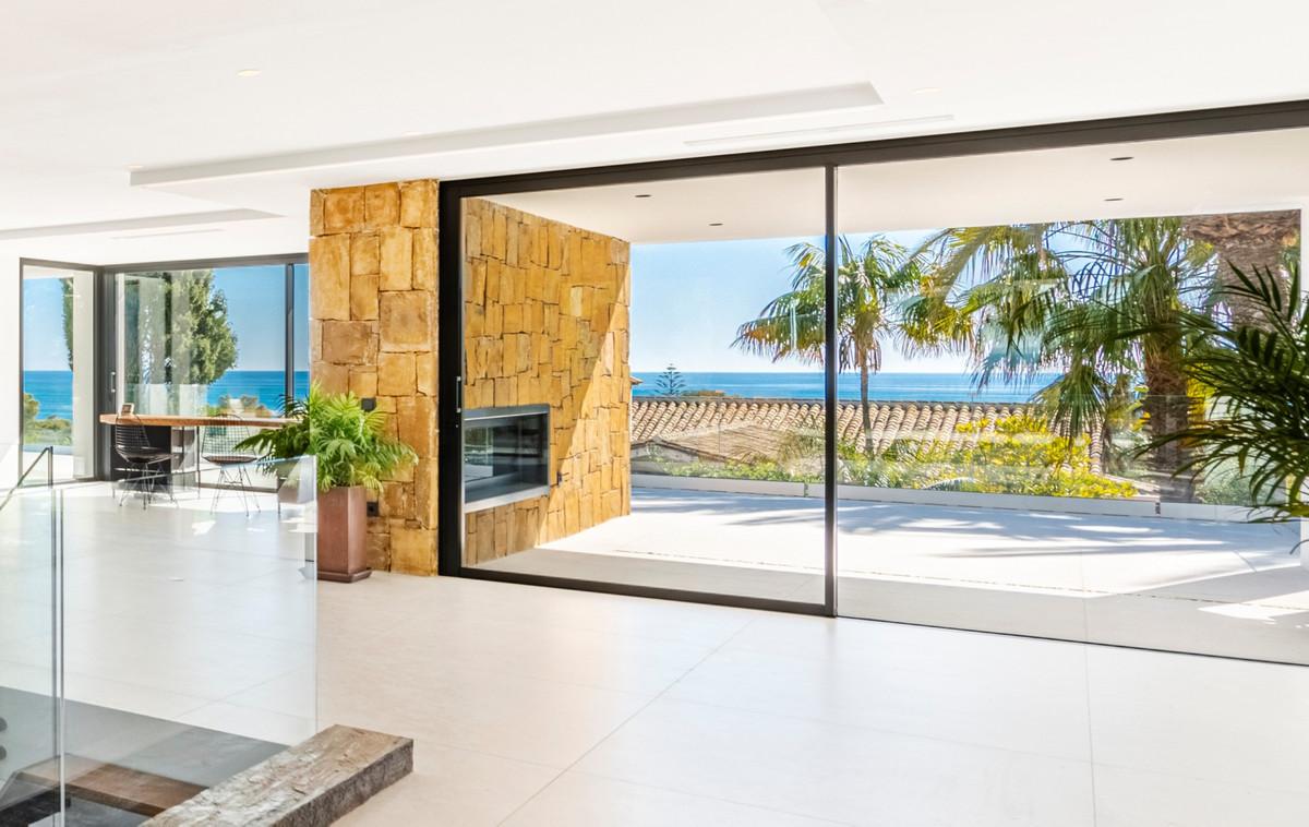 Detached Villa for sale in Marbella R3688148