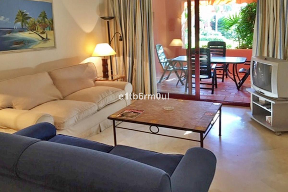 Apartament na parterze w Marbella R3365839