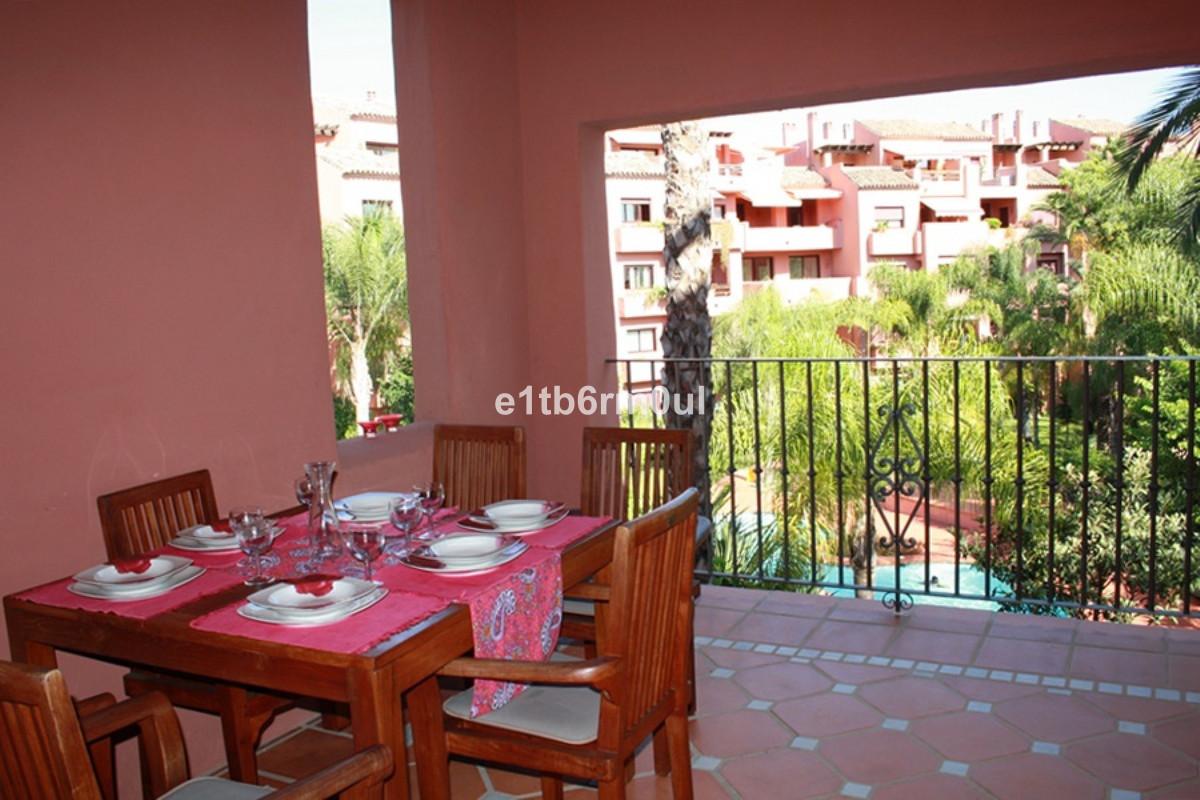 Lägenhet på mellanplan Till salu i Marbella R3452725