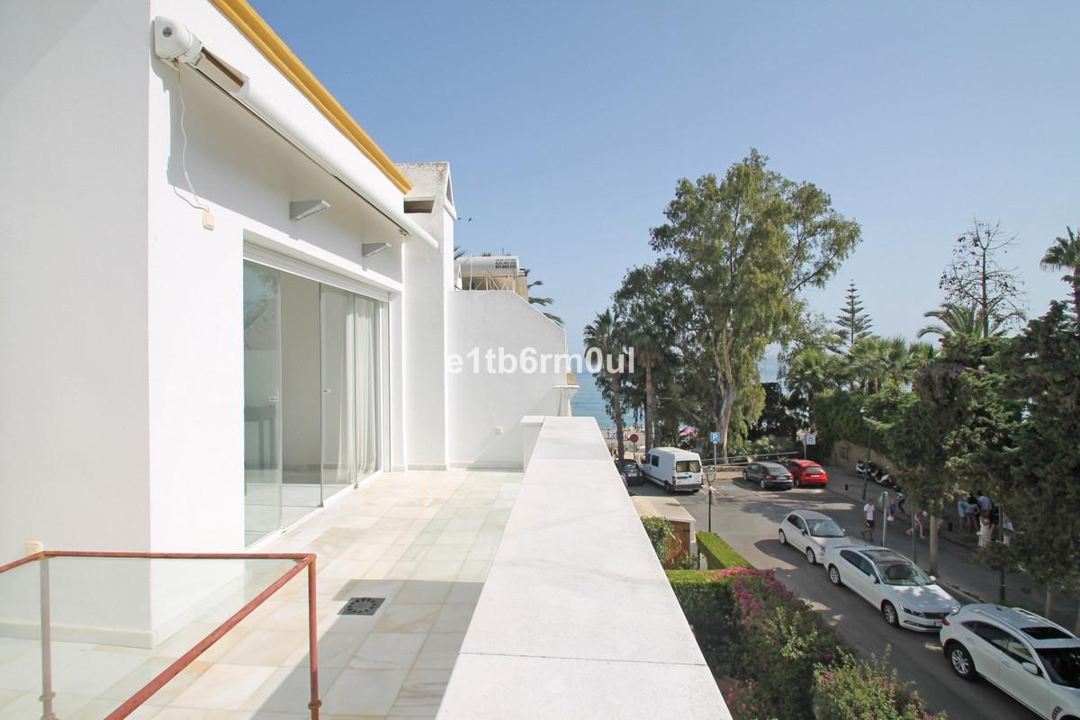 SEA VIEWS • BEACHSIDE • WALKING DISTANCE TO ALL AMENITIES • West facing five bedroom fully refurbish,Spain