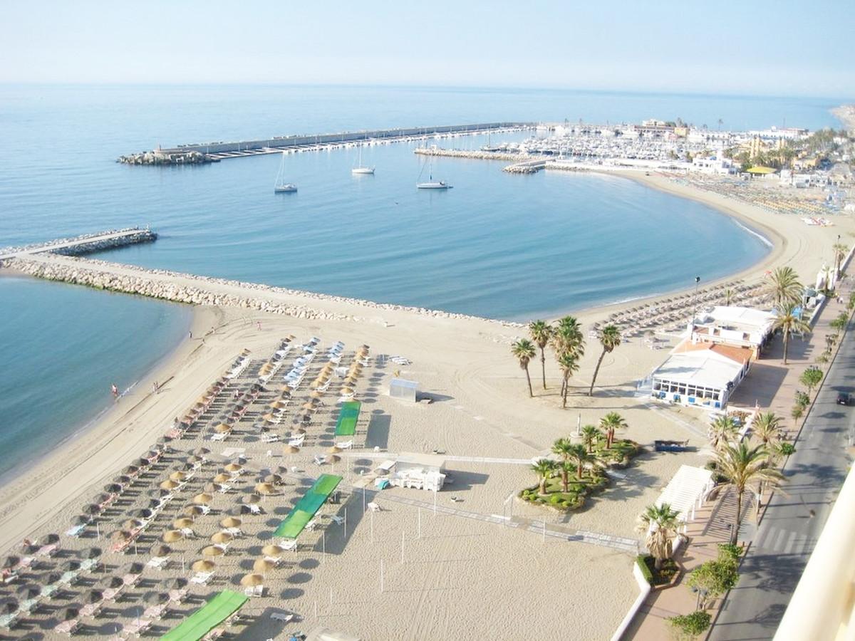 Apartment Middle Floor Fuengirola Málaga Costa del Sol R3867268 2