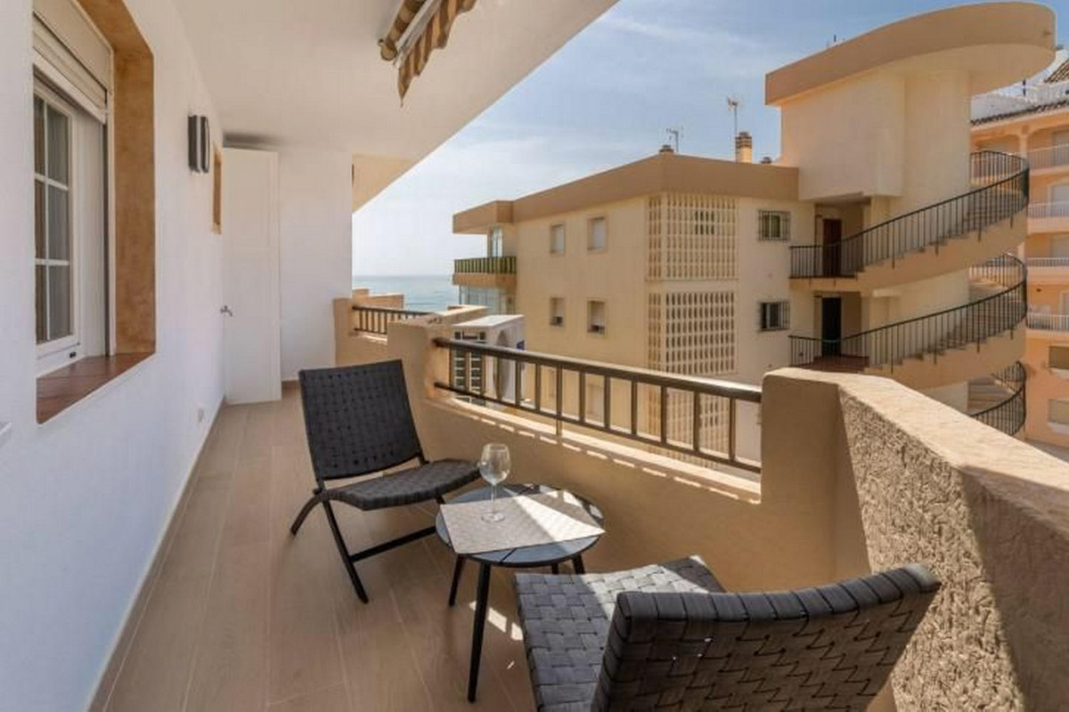 Apartment Middle Floor Fuengirola Málaga Costa del Sol R3867268 4