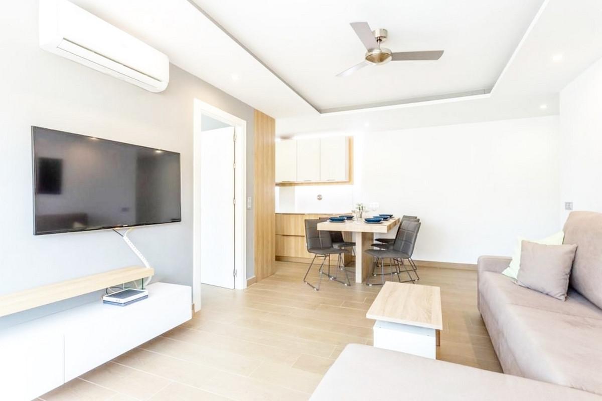 Apartment Middle Floor Fuengirola Málaga Costa del Sol R3867268 6