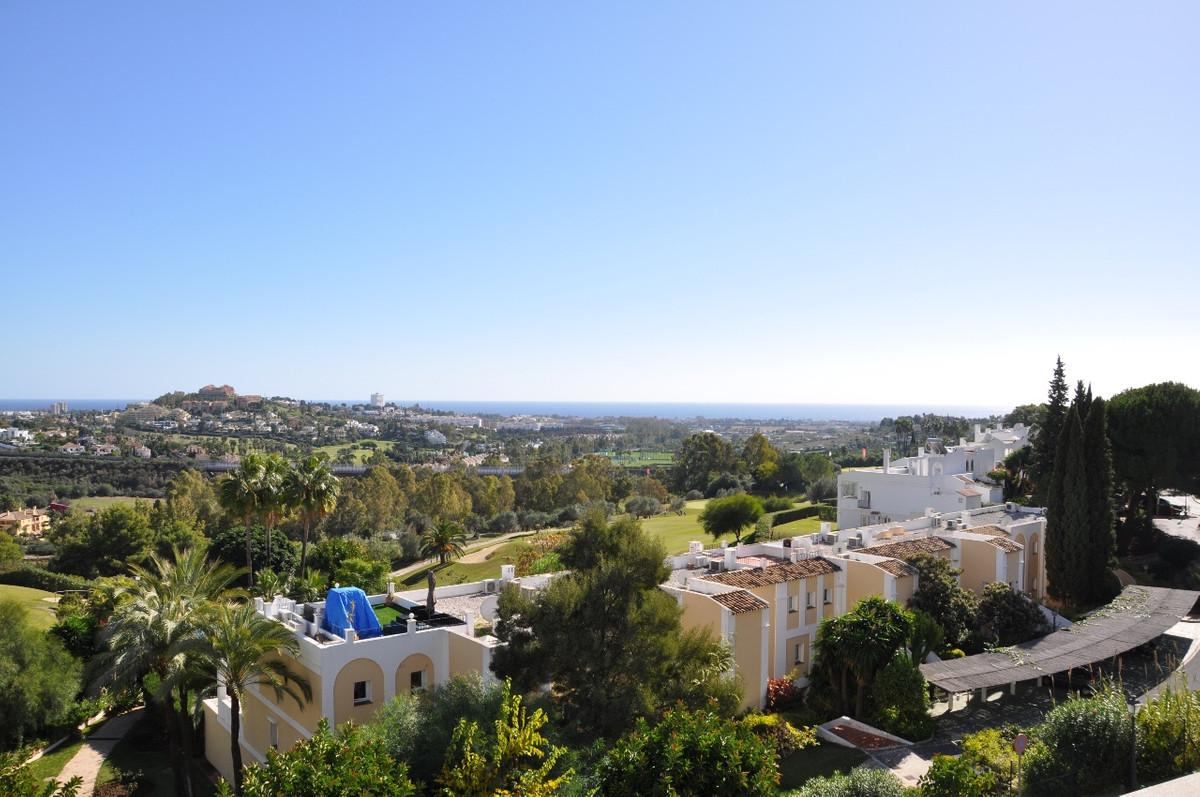 Luxurious apartment for sale in La Quinta Suites, Benahavis, Costa del Sol. La Quinta Suites is a sm,Spain