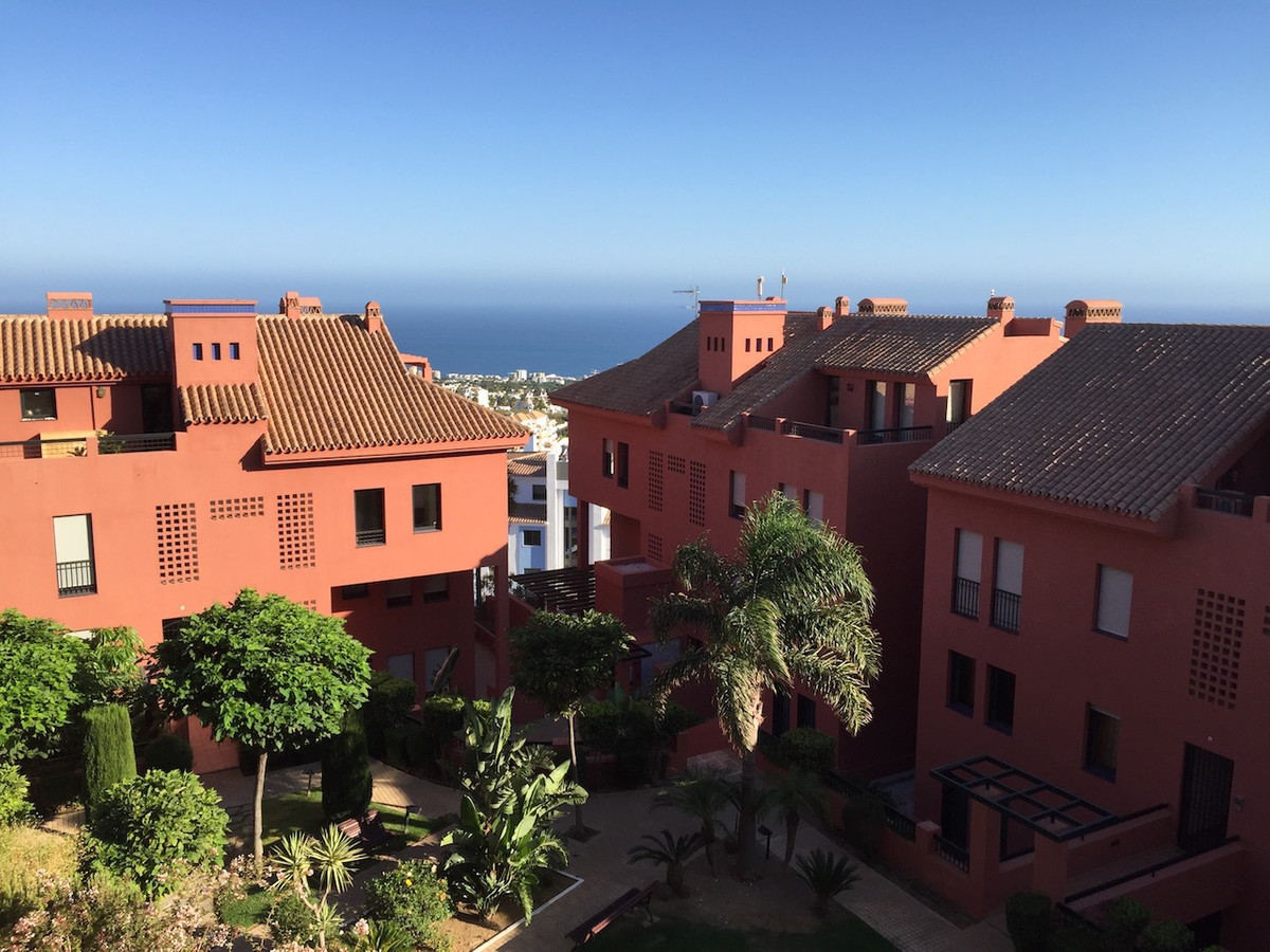 ***Reduced price!*** Wonderful, light and spacious luxury 3 bed/ 3 bath apartment located in the new,Spain