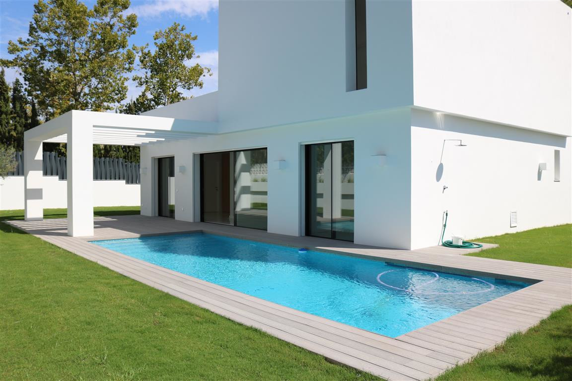 Detached Villa, Marbella, Costa del Sol. 4 Bedrooms, 4 Bathrooms, Built 225 m², Garden/Plot 643 m². ,Spain