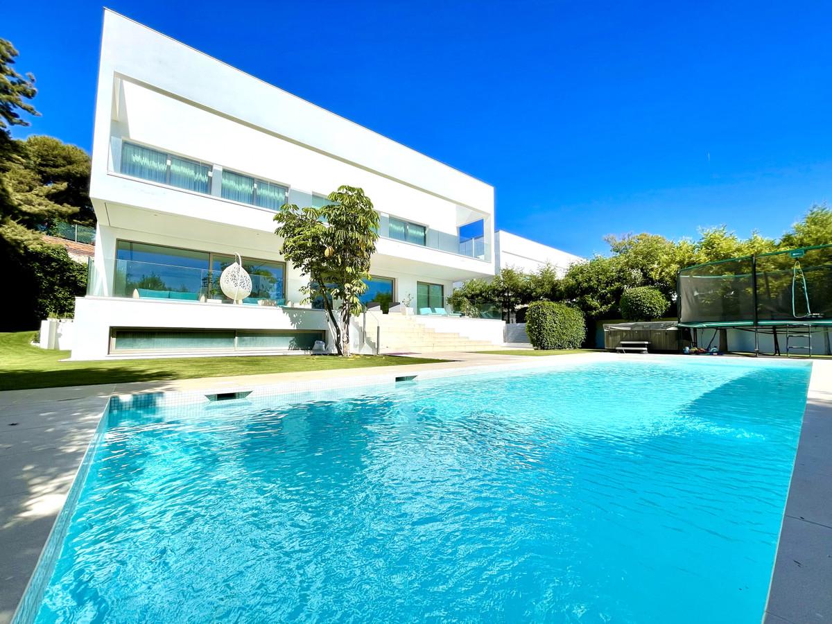 Modern luxury villa in LOMA DE CASASOLA in the centre of the prestigious Guadalmina Baja area. The v,Spain