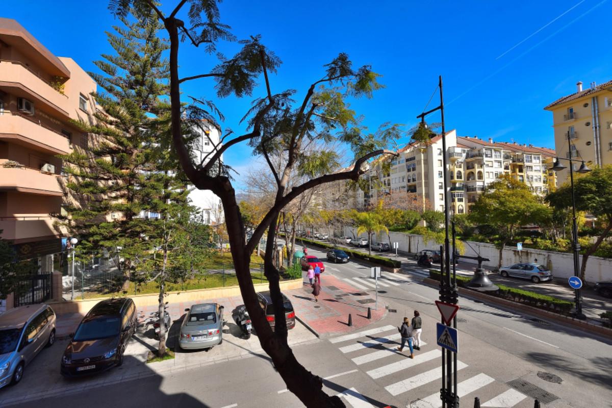 Apartment Middle Floor Fuengirola Málaga Costa del Sol R3585283