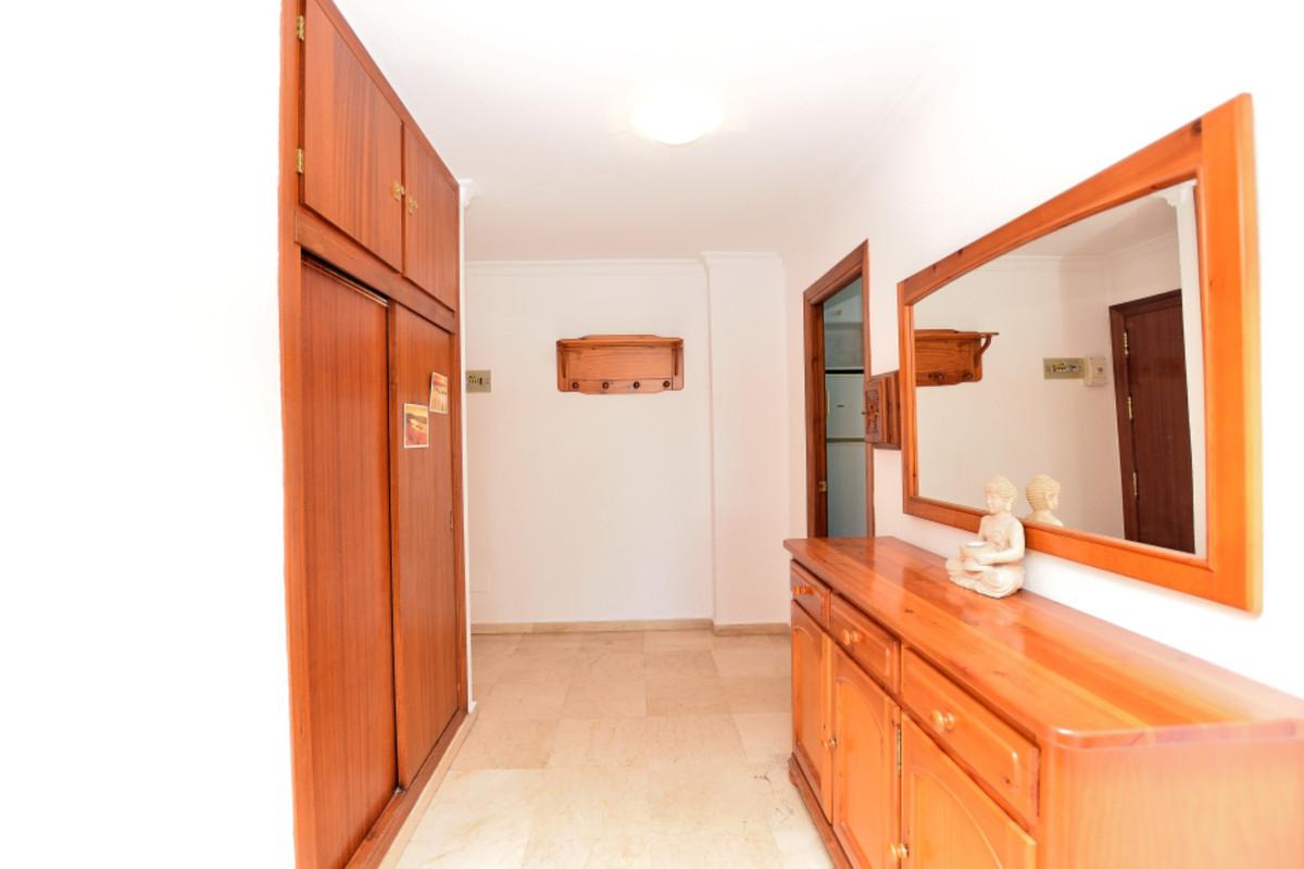 Apartment Middle Floor Fuengirola Málaga Costa del Sol R3585283 10