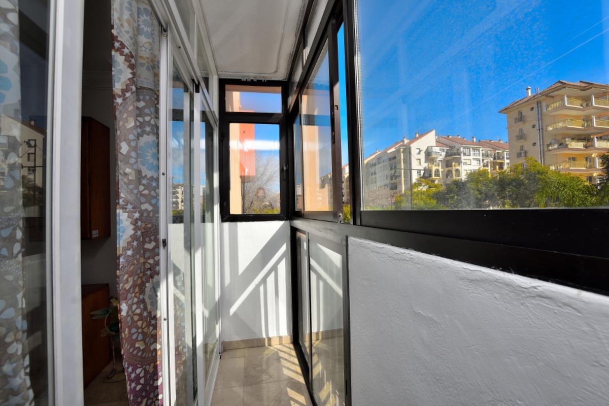Apartment Middle Floor Fuengirola Málaga Costa del Sol R3585283 2