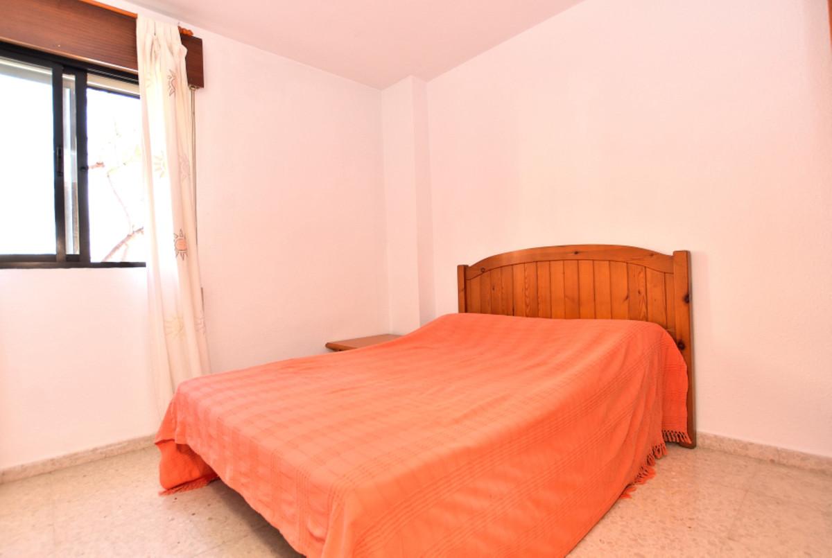 Apartment Middle Floor Fuengirola Málaga Costa del Sol R3585283 4