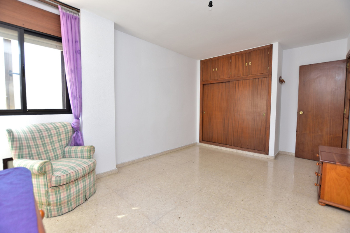 Apartment Middle Floor Fuengirola Málaga Costa del Sol R3585283 5