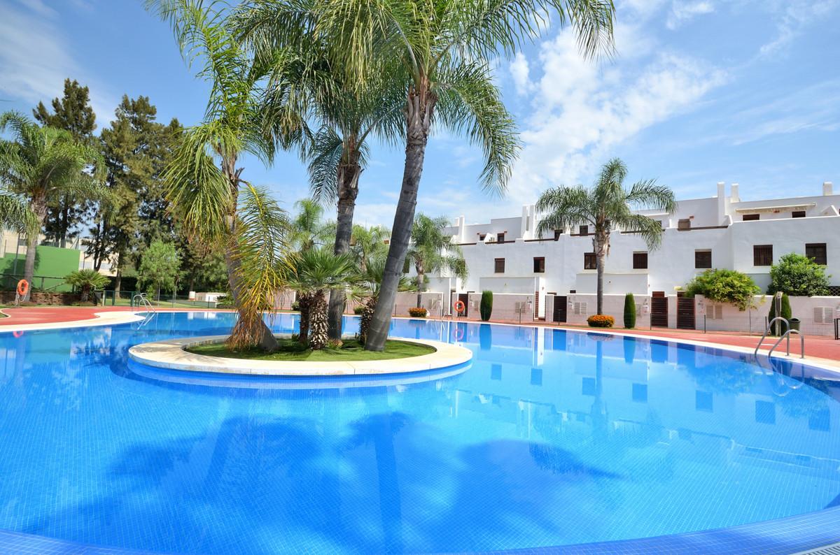 Fantastic townhouse next to the Golf course in popular Navi Golf, La Cala de Mijas. This 2 bedroom t,Spain
