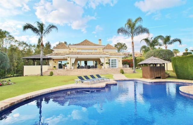 Villa til salgs i Nueva Andalucia