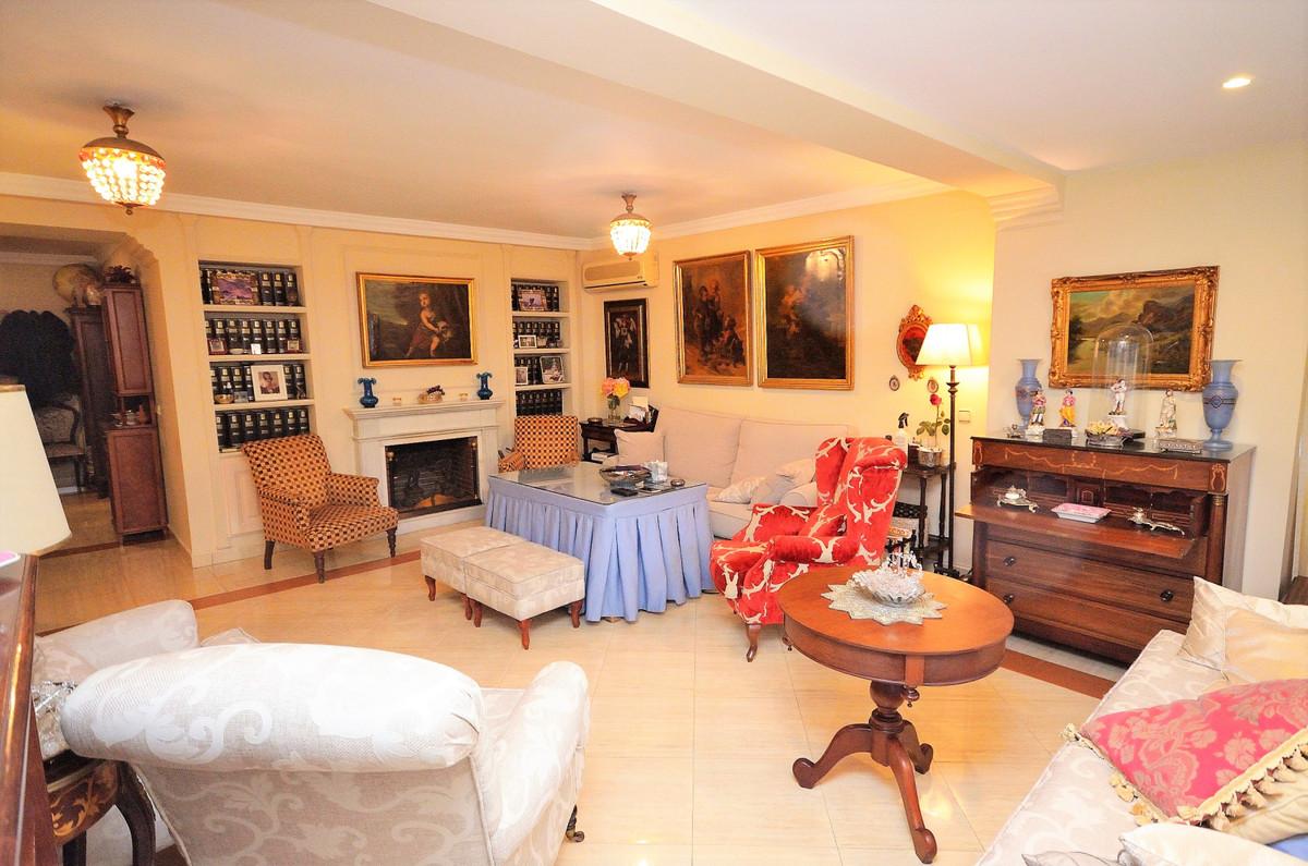R3300853: Apartment in Fuengirola