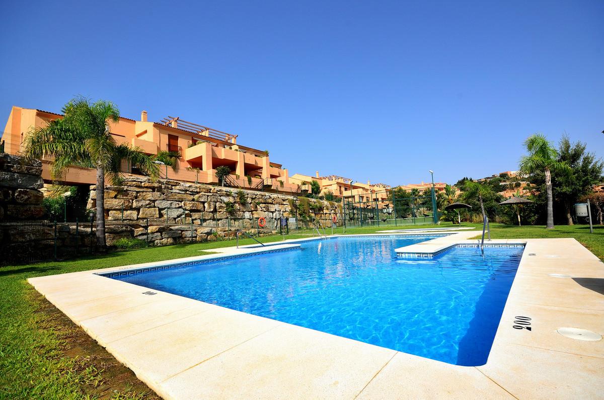 Fantastic apartment in quality complex set in Elviria. This 2 bedroom, 2 bathroom apartment is locat,Spain