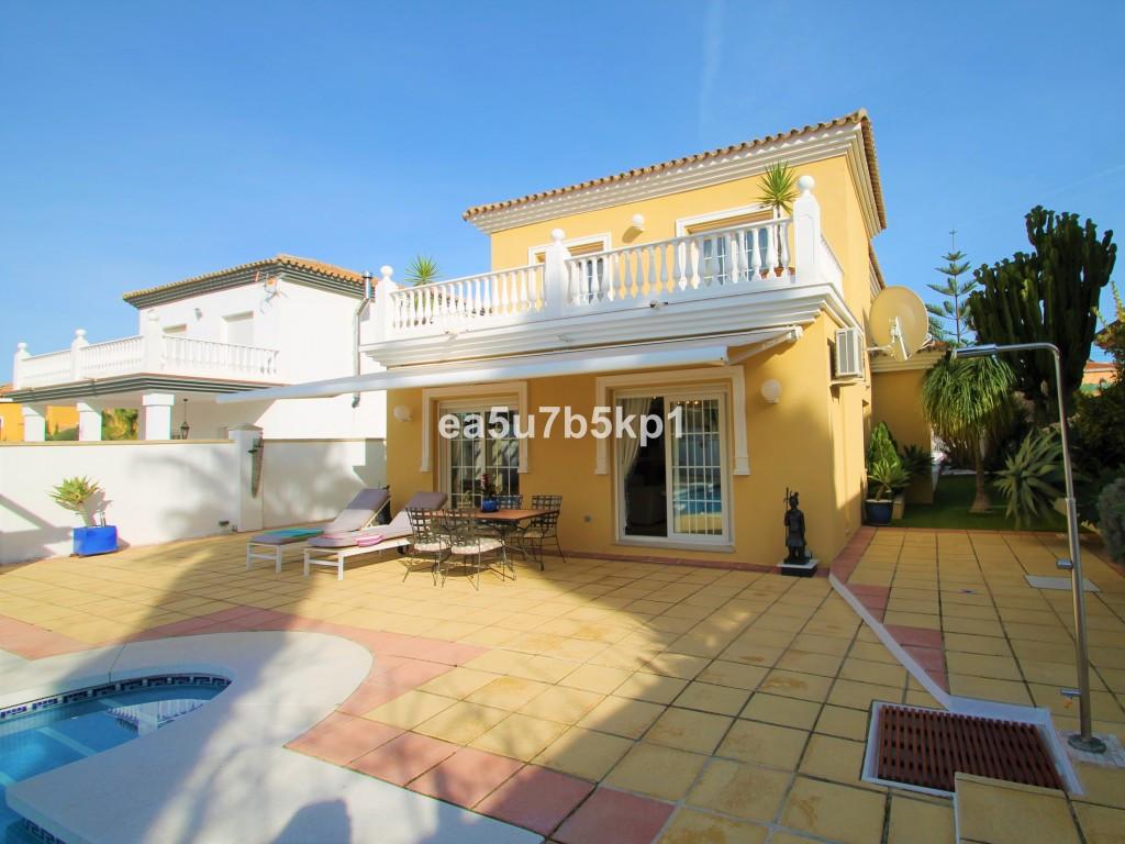 House in Alhaurín de la Torre R3905824 2