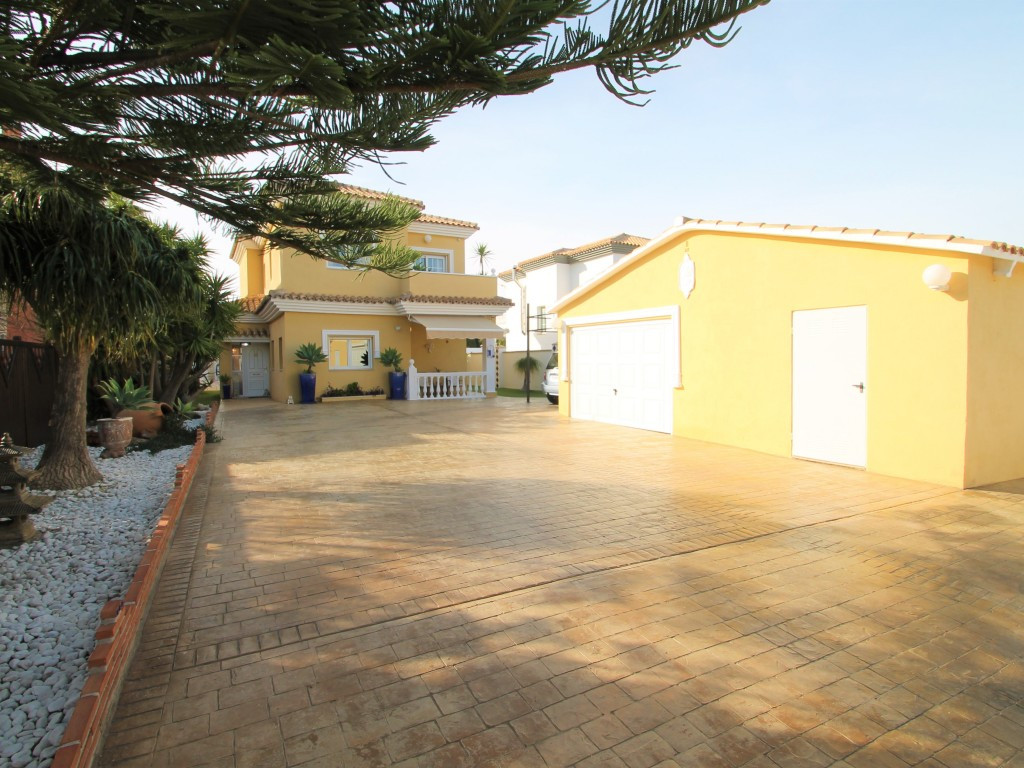 House in Alhaurín de la Torre R3905824 4